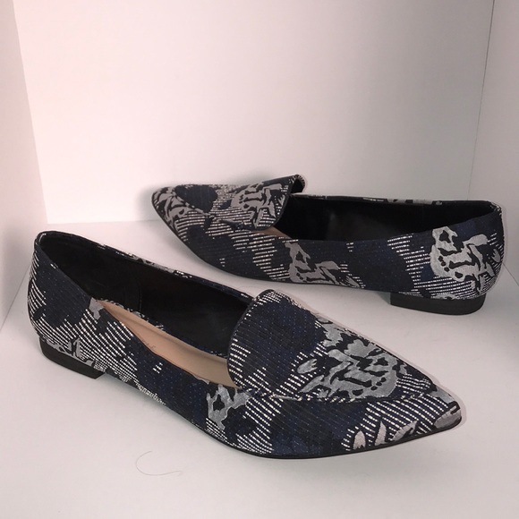 a1ca0d7c29d Kelly   Katie Shoes - Kelly   Katie Silk flower Flats ⭐️